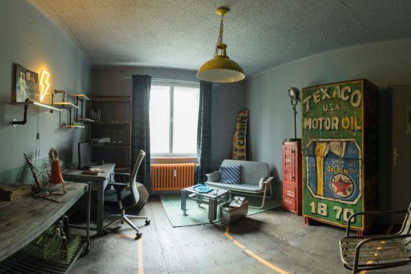 V soukromém bytě v Plzni se uskutečnilo natáčení dokumentárního seriálu České televize Bydlet jako.