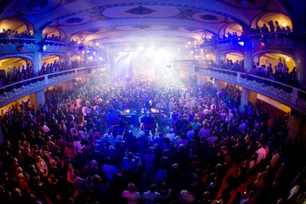 V paláci Lucerna v Praze se 23. prosince 2011 konal koncert na počest zesnulého prezidenta s názvem Pocta Václavu Havlovi. Na snímku publikum. MIKULÁŠ KŘEPELKA / MEDIAFAX